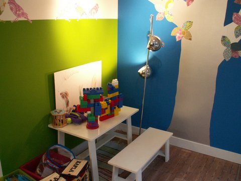 There is a special corner with toys, just for the little ones.