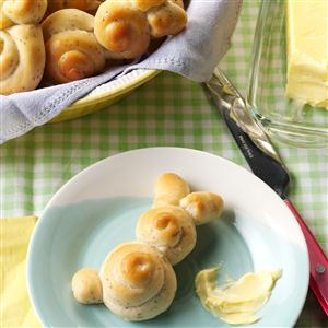 Easter Bunny Rolls. Photo credits: Taste of Home